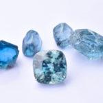blaue Zirkone